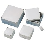 AP/FR-Kasten 180x180x91 ws IP 65 vorgeprägte Einführungen