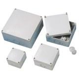 AP/FR-Kasten 80x80x63 ws IP 65 mit vorgeprägten Einführungen